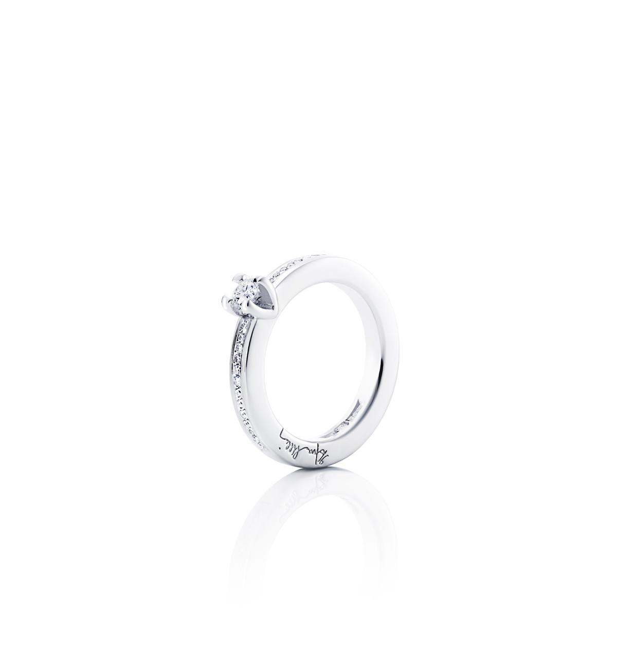 Efva Attling Heart To Heart Ring Vitguld 0,19 ct Diamant