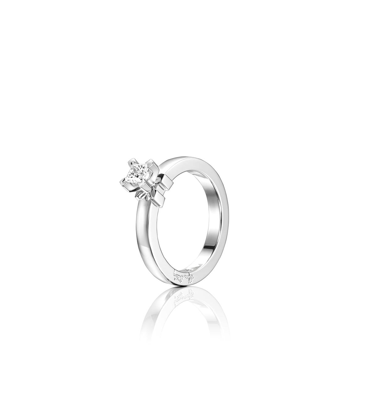 : - Dolce Vita Princess Ring Vitguld 0,30 ct
