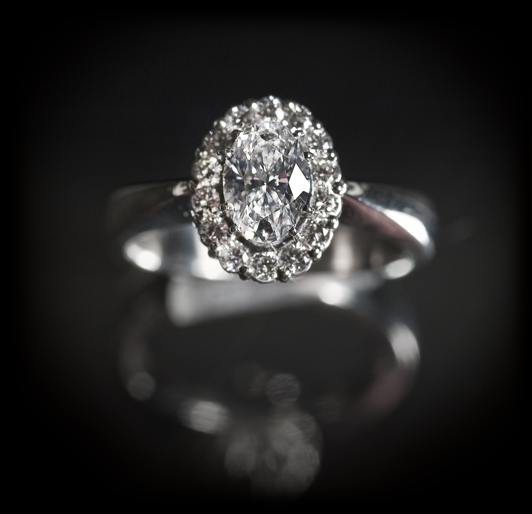 : - Carmosé Diamant