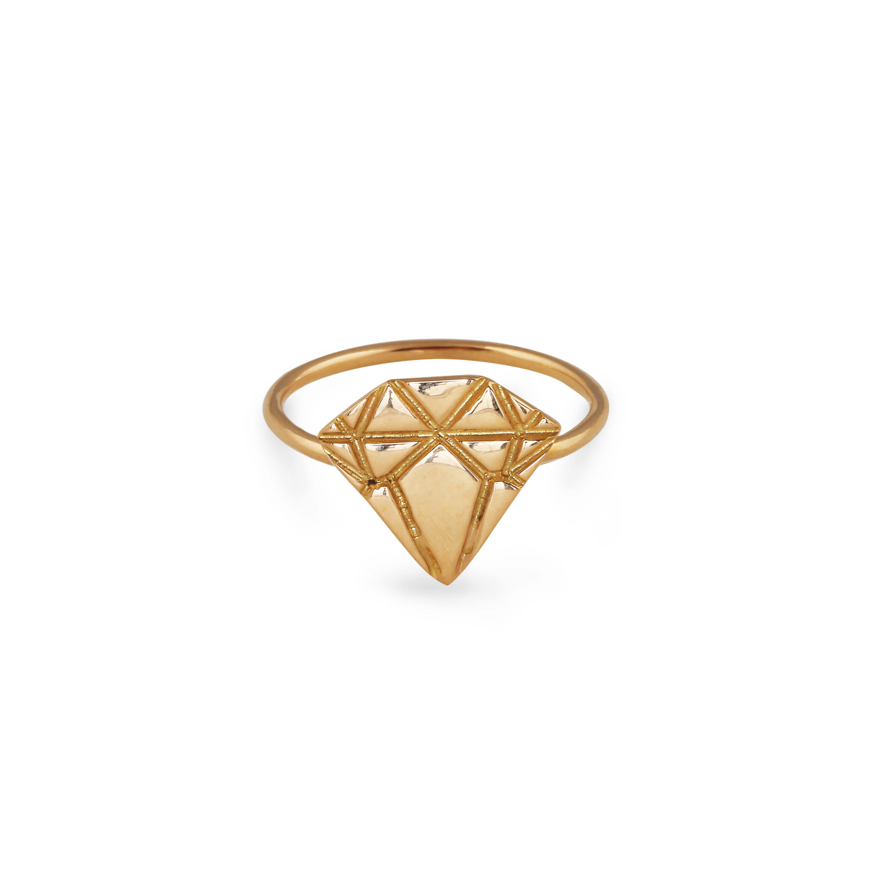 : - 18K Gold Diamond Ring