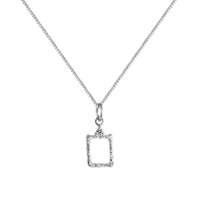 : - Lady Frame Necklace Silver