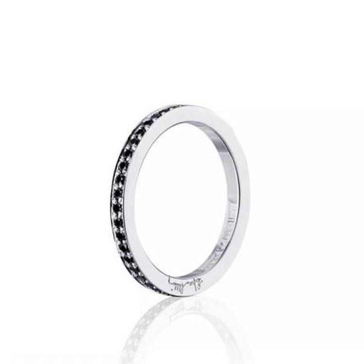 : - Stars & Signature In Black Thin Ring Vitguld