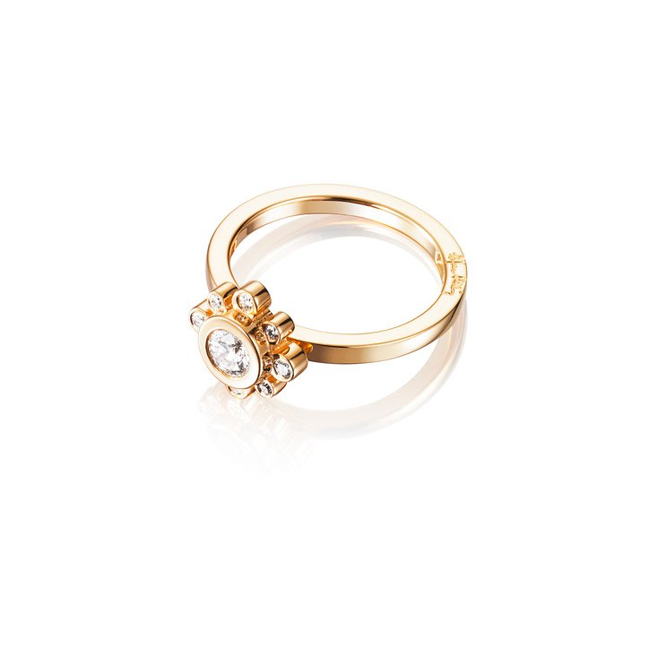 : - Sweet Hearts Crown Ring Guld 0,30 ct