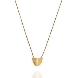 Roof big pendant neck 45-50 Gold från CU Jewellery