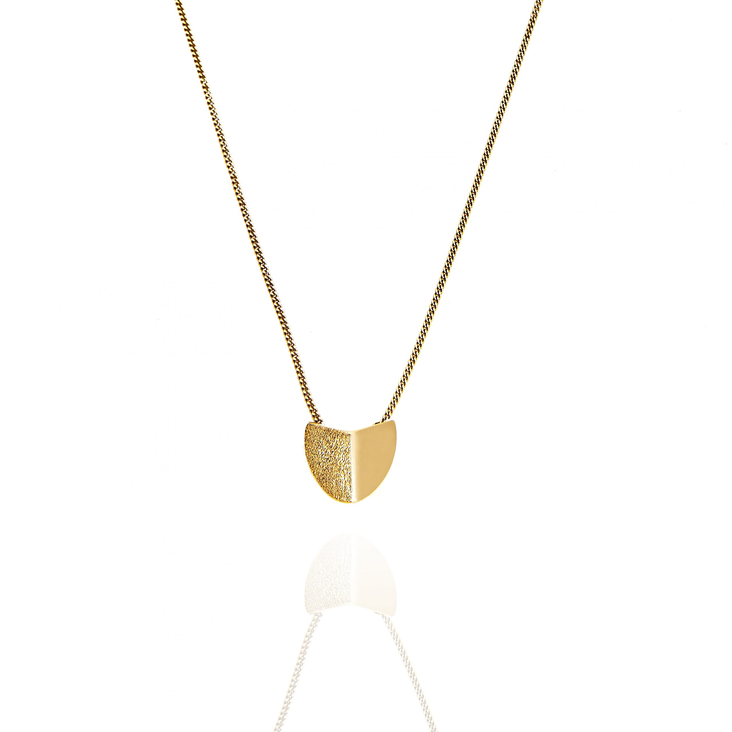 CU Jewellery Roof Small Pendant Neck  Gold